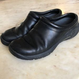 MERRELL Black Leather Clogs